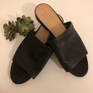 🛍ALDO Black leather flat mules